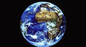الأرض تتجه نحو الانق