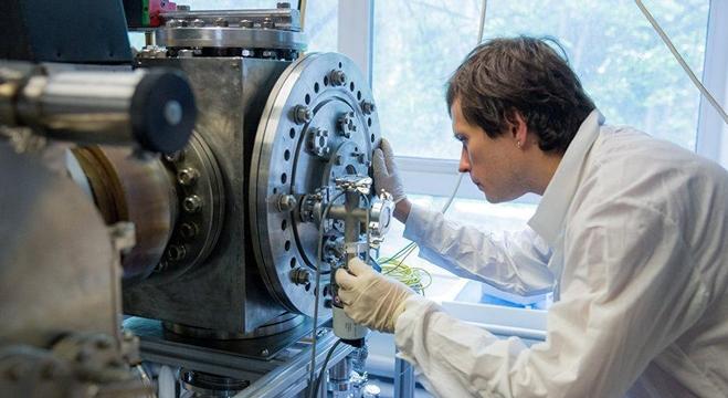 العلماء الروس يخترعون مولد بلازما فريدا من نوعه