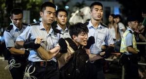 هونغ كونغ: اعتقال مئ