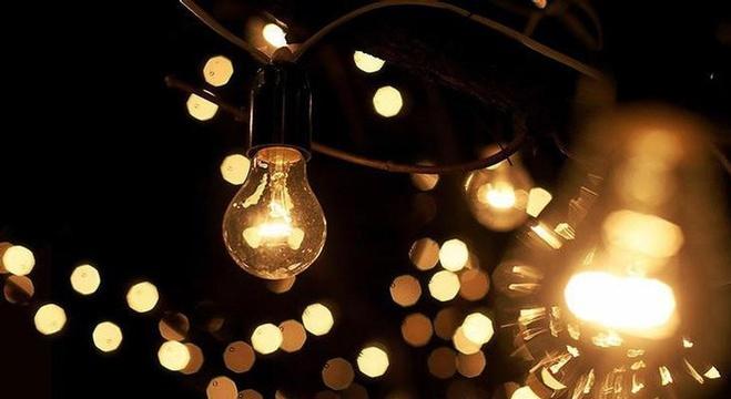 الكهرباء للإنارة