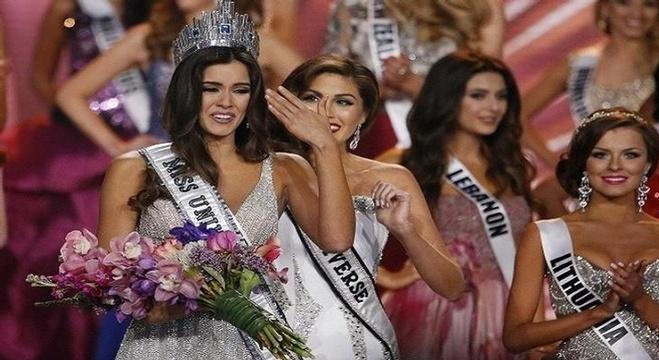 الكولومبية باولينا فيغا ملكة لجمال الكون لعام 2014