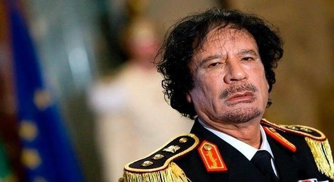 الرئيس الليبي الراحل معمر القدافي