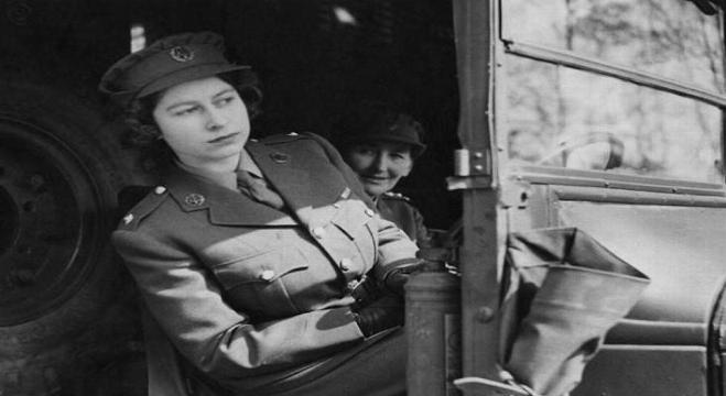 الملكة البريطانية إليزابيت الثانية سنوات الحرب