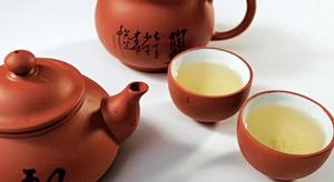 الشاي الأخضر مصدر مه