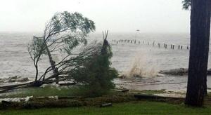 إعصار ماثيو يضرب فلو