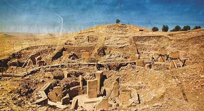 علماء الآثار يعثرون على أقدم رسم جداري في التاريخ