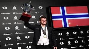 النرويجي كارلسن يحتف