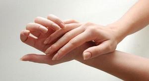 هل فرقعة الأصابع مضر