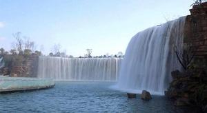 أكبر شلال صناعي (فيد