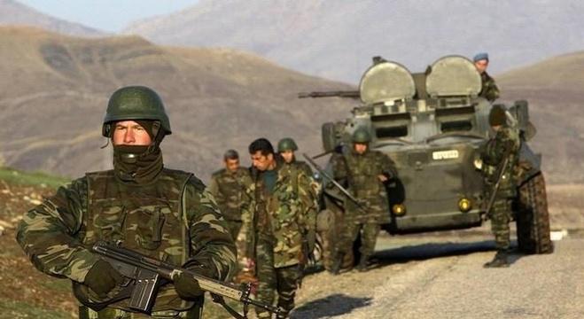 عناصر في الجيش التركي