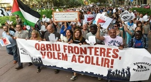 الإسبان يتظاهرون لفت