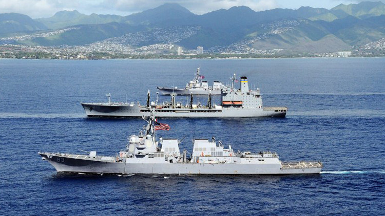 سفن حربية امريكية في المحيط الهادئ