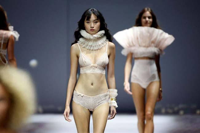 أسبوع مثير من الموضة في باريس
