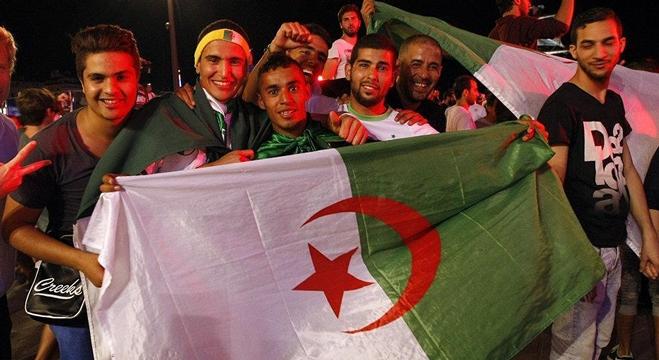 الجزائريين