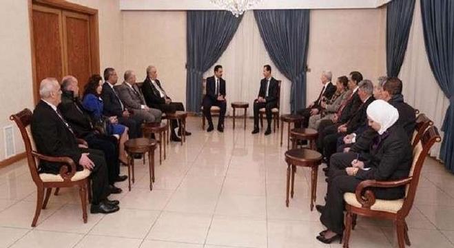 الرئيس السوري بشار الأسد اثناء لقائه وفد المحامين العرب
