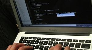 أبل  تخطط لطرح حاسوب