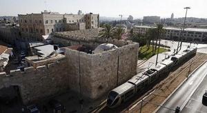 ترام القدس  يثير حفي