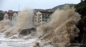 إعصار قوي يضرب الصين