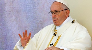 البابا يدعو كل الأطر