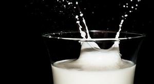 الحليب علاج لمن يعان